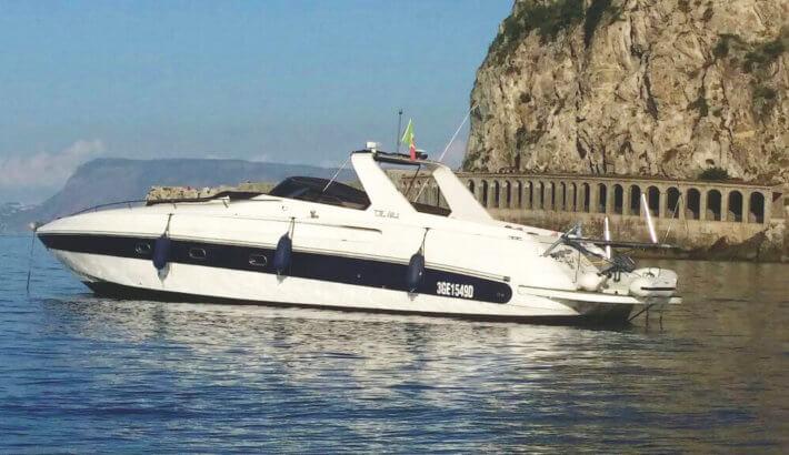 Tour giornaliero in barca Costa Viola